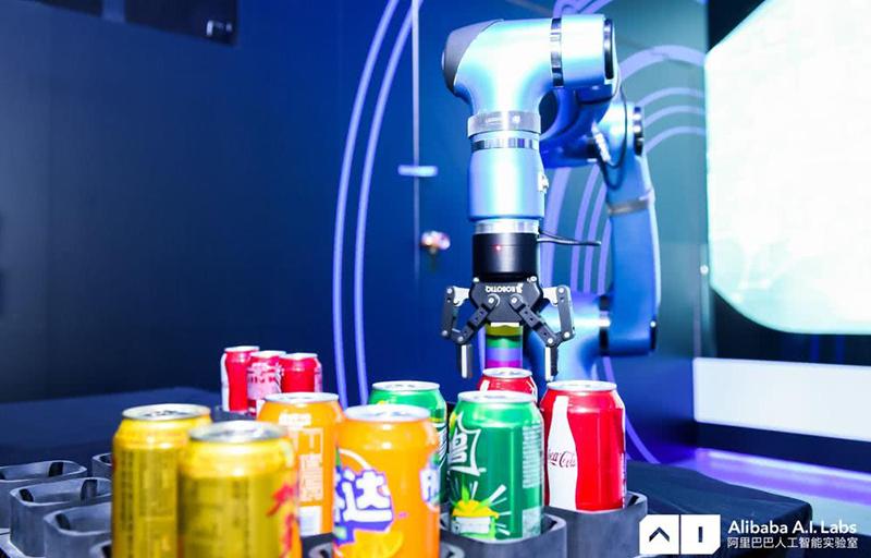 阿里巴巴发布多款智能机器人 这些操作你真没见过