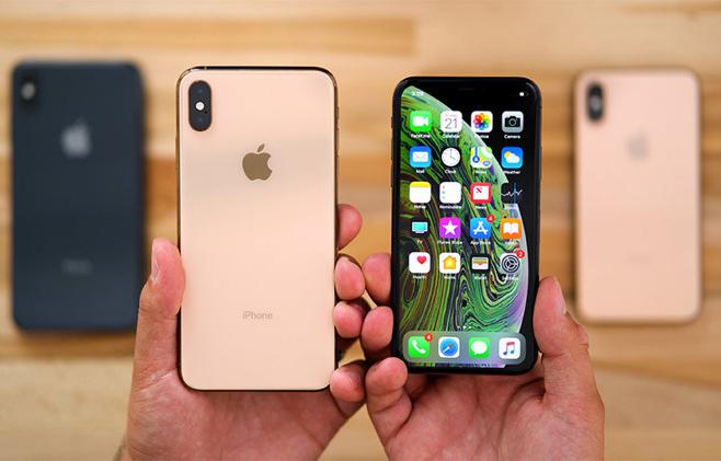 苹果新款手机被曝全面砍单 富士康或被迫裁员